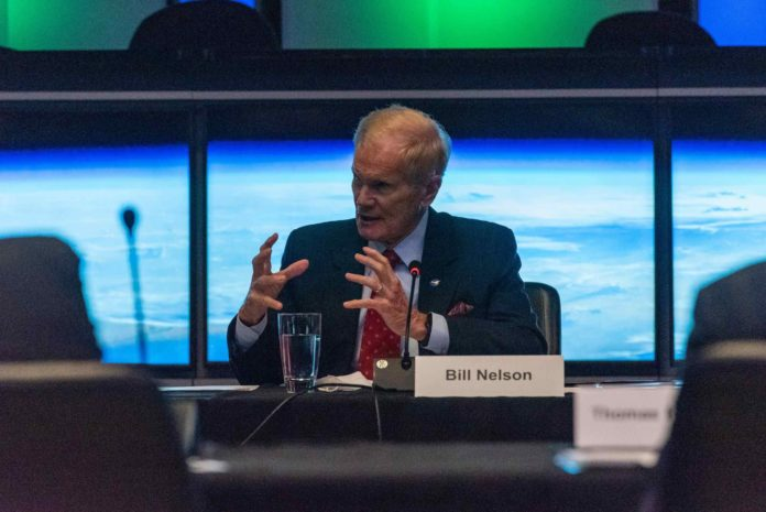 NASA leadership visits JPL, discusses climate change with Mars